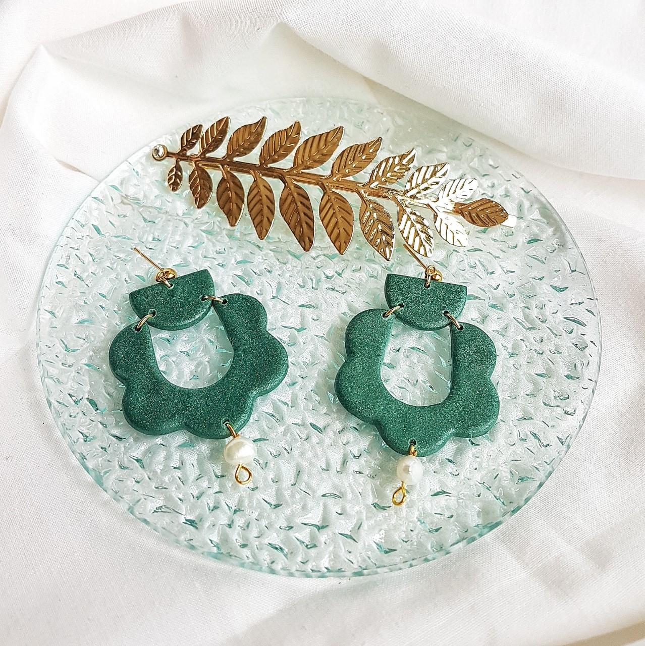 Pendiente Carlota verde con perla